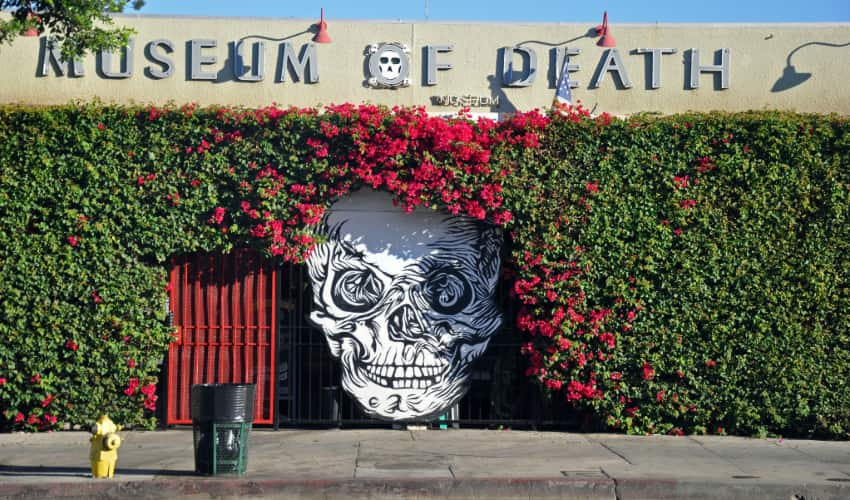 exterior of the Los Angeles Museum of Death