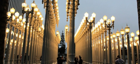urban light exhibit outside of the los angeles county art museum